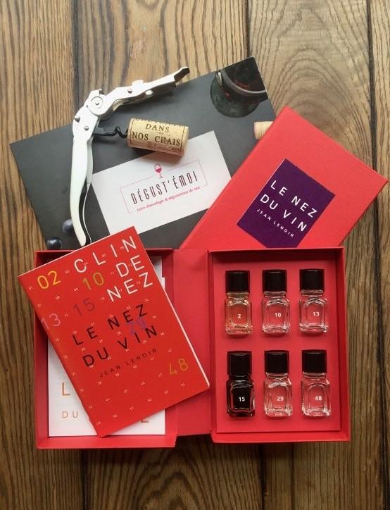 """Livre-Coffret """"Le Nez du Vin"""" 6 arômes"""