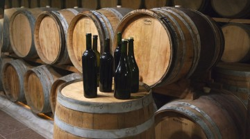 Le vin de voile est obtenu par élevage oxydatif dans des barriques